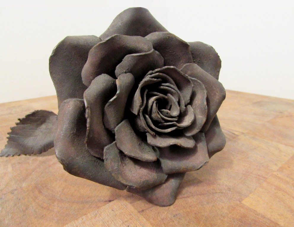 Metal Antique Rose by Pavlovs Dream