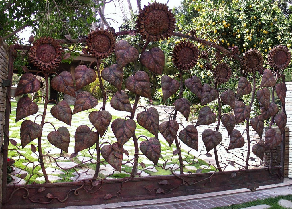 Steel Sunflower Driveway Gate in California by Pavlovs Dream