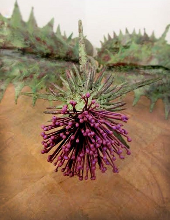 Metal Thistle Sculpture by Pavlovs Dream